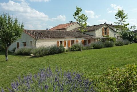 Casa cerca de Cordes & Albi con piscina