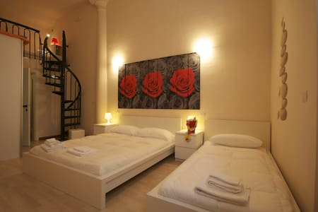Roses room. Large and comfortable family room. - San Benedetto del Tronto