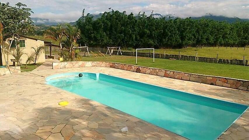 Chácara em Pindamonhangaba com piscina