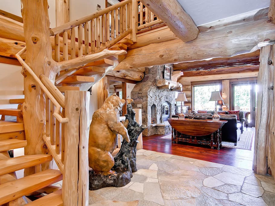 This magnificent log cabin is perfect for an adventurous getaway.