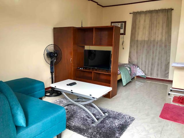 Florena Apartment 1 BR Unit in Cubao B with *WIFI*