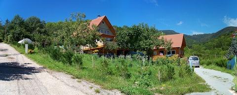 Accommodaties in de bergen in een bucolische omgeving