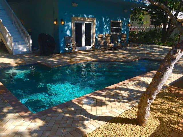 Islamorada Waterfront Paradise | 5br | Dock | Pool
