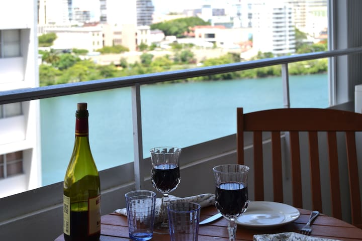 Apartment by the Lagoon, Steps to the Beach - San Juan