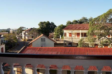 Hôtel de la Mer Chambre Double Vue Ville (ch21) - Région Diana - Townhouse