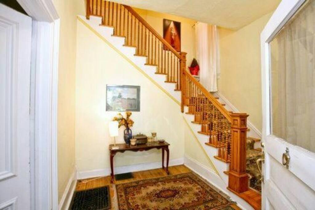 Stairs to iind Floor