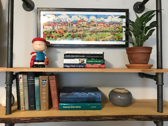 Linus and art by Michael Savage