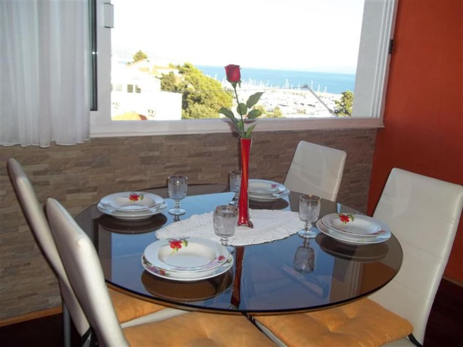 Dinning area with sea view