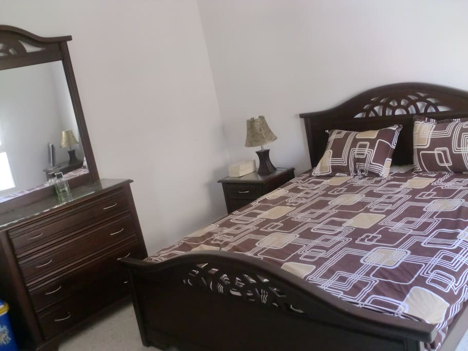 good matrasses, big closet, baby crib available, ac