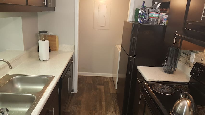Kitchen/Laundry