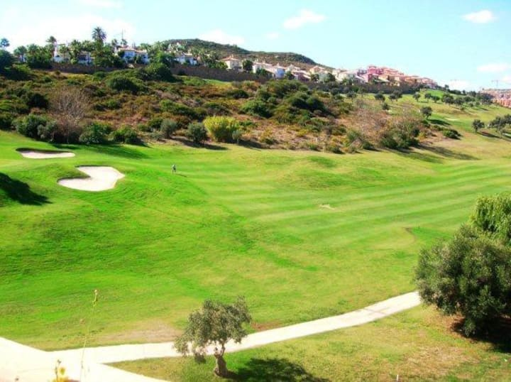 Fantastic 3 Bedroom Apartment on Golf Resort