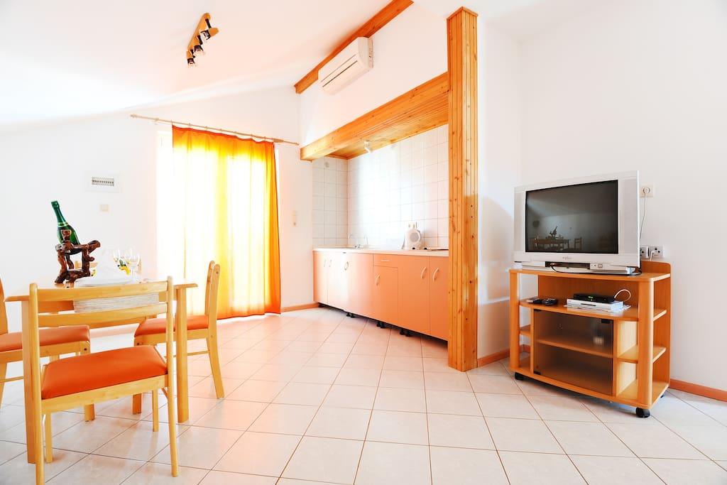 cozy orange apartment in center apartments for rent in vodice