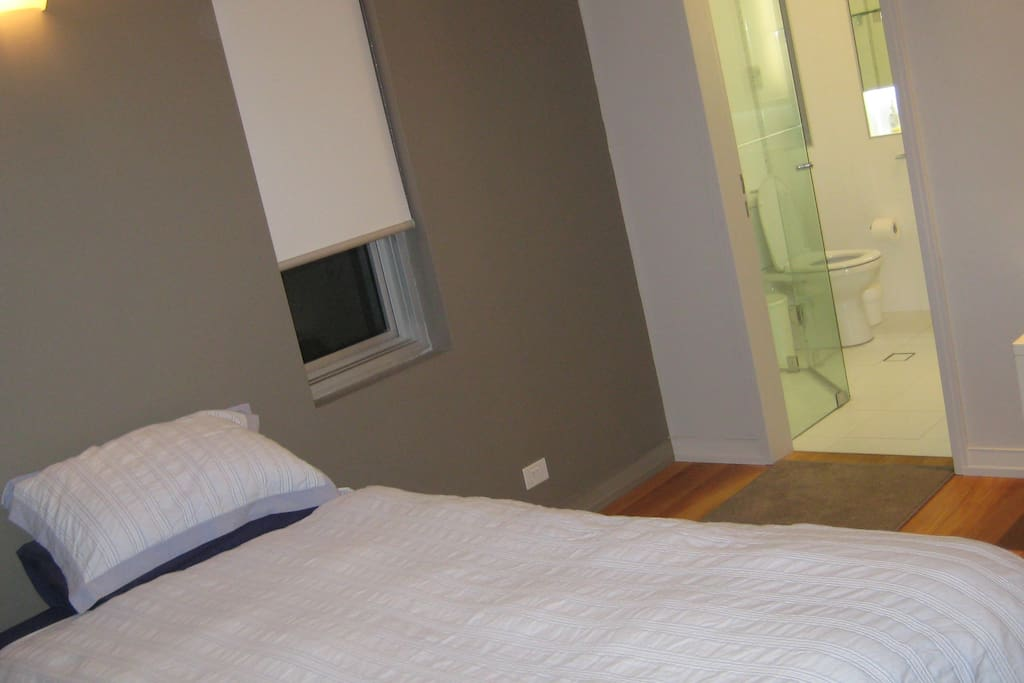 private room with tv and internet and own ensuite
