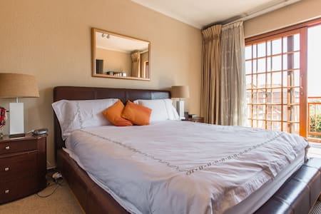 2km from Mall of Africa, Midrand - Midrand - House