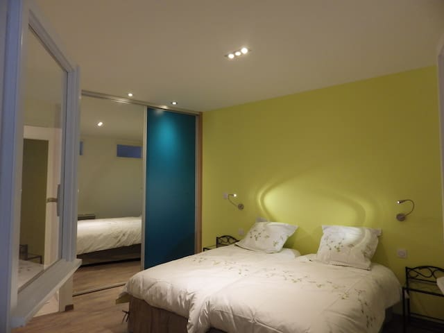 "Chambre   ""Seraphin"" au RDC - Remiremont - Bed & Breakfast"