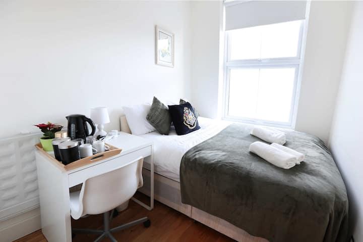 Cosy Double Bedroom In Euston (14)