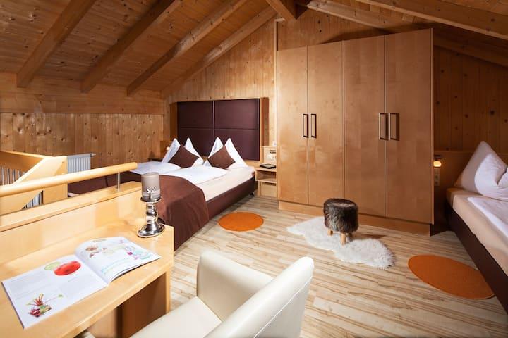 De luxe Apartment mit Balkon im Hotel Auwirt