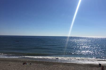 T3 les pieds dans l'eau - Santa-Lucia-di-Moriani - Huoneisto