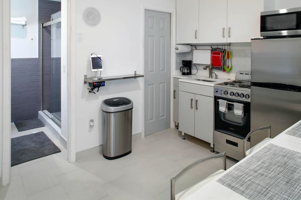 Fully equipped kitchen, tablet & sound system, bathroom