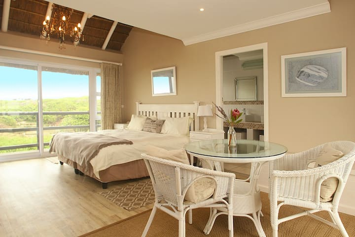 King room 1 with living spaces