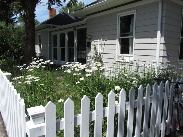 Charming home walkable to downtown - Bozeman - Hus