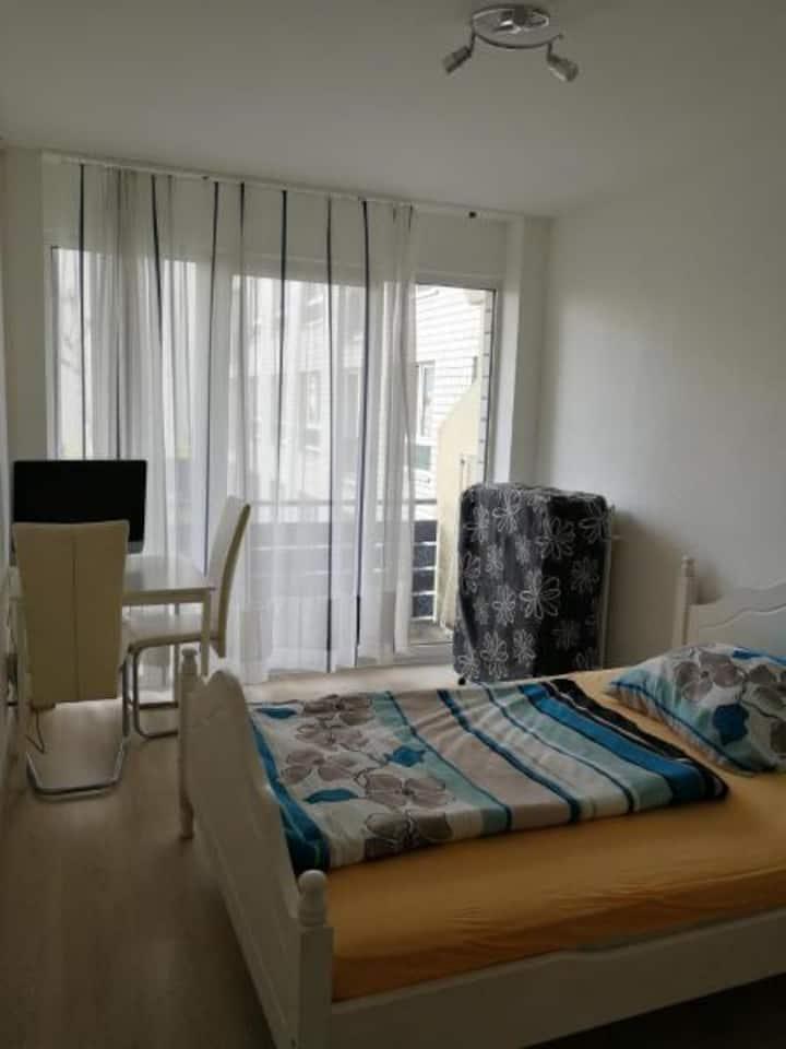 economic Apartment 16 for 1-2 P near Uni