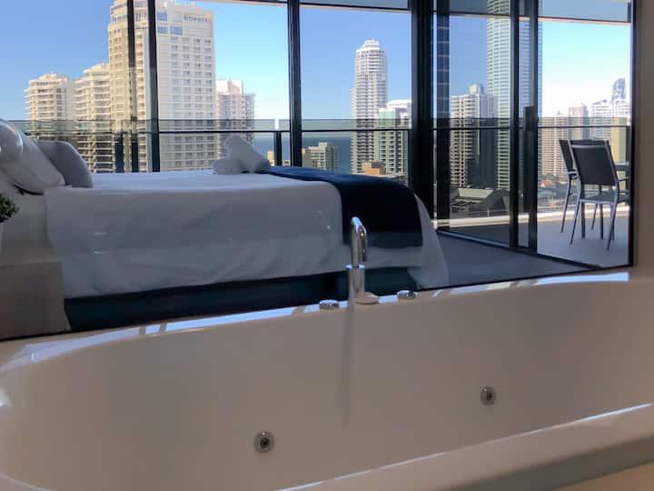 Ocean View SpaBath Apartment SparklingClean Lvl20