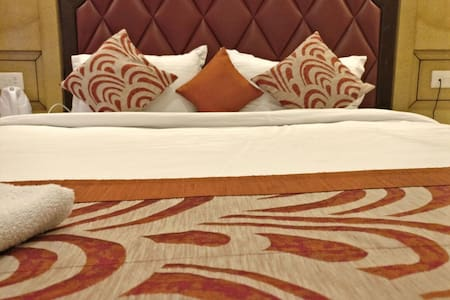 Comfortable Room | 2 people | Darjeeling Mall - Darjeeling