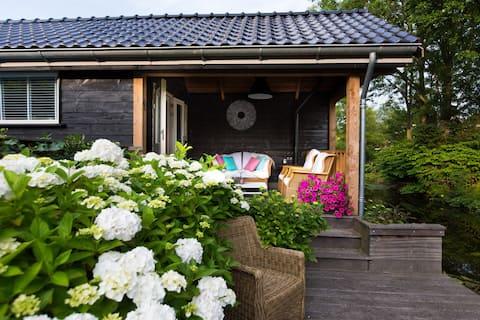 Tiny House aan vaarwater, Alkmaar, Strand, Bergen.