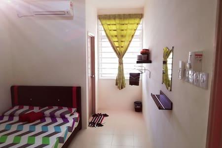 Cozy, Comfy & Affordable @ Njaz Homestay Gambang - Gambang - 一軒家