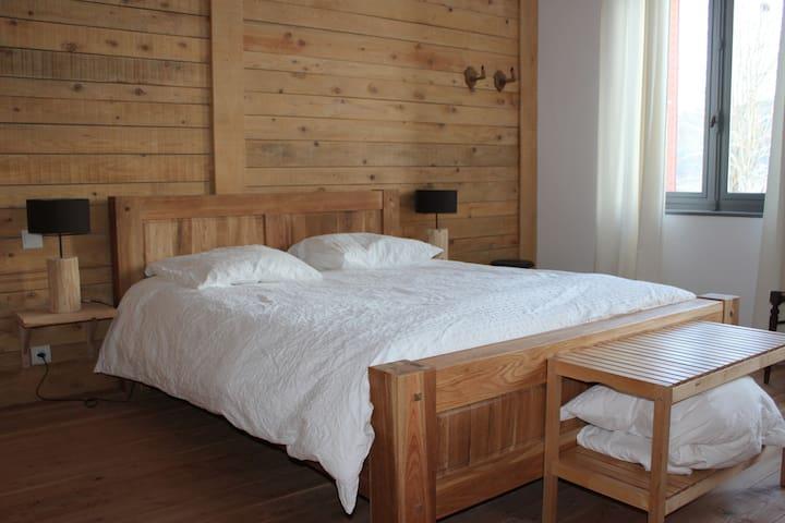 gite et chambres d'hotes la colonie bernadette - Saint-Priest-la-Vêtre