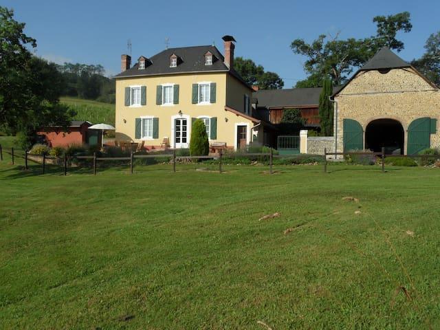 Gite 4 étoiles en Béarn - Monein - Rumah