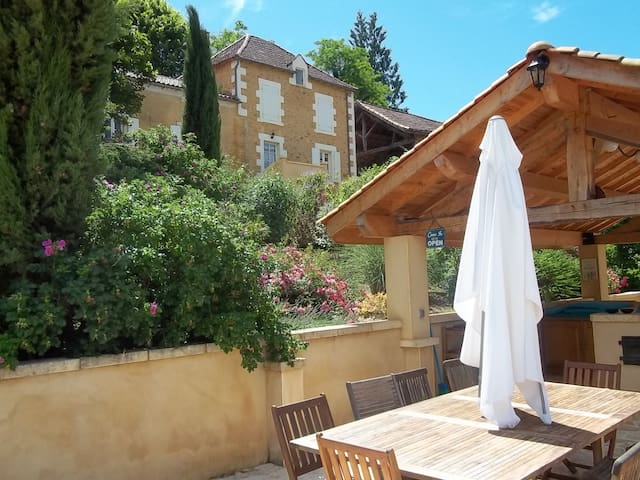 Beautiful country house in Dordogne - Salles-de-Belvès - Dom