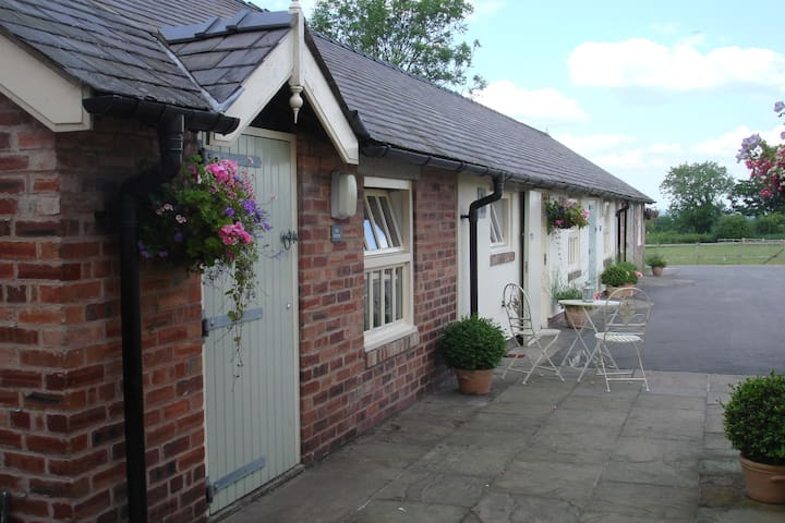 The Studio, Golly Farm near Wrexham - Rossett - อพาร์ทเมนท์