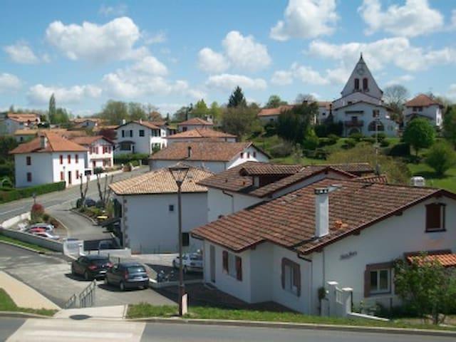 SUPER LOGEMENT ENTRE MER ET MONTAGN - Villefranque