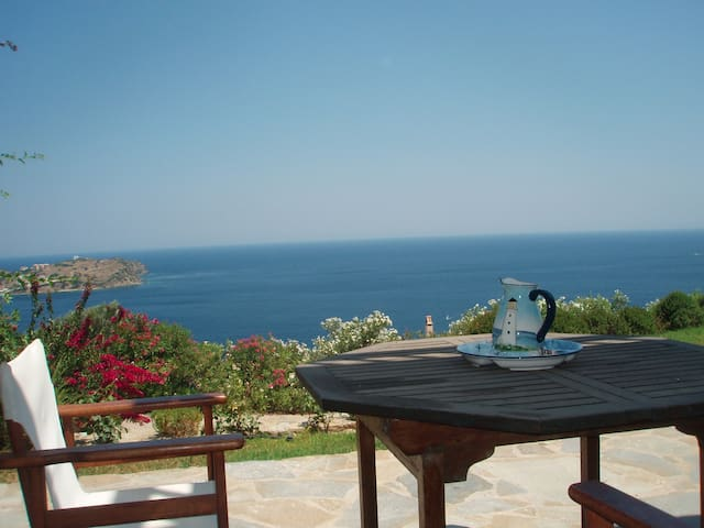 BEACH HOUSE IN EVIA GREEK ISLAND - Agii Apostoli - Casa
