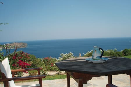 BEACH HOUSE IN EVIA GREEK ISLAND - Agii Apostoli - Hus