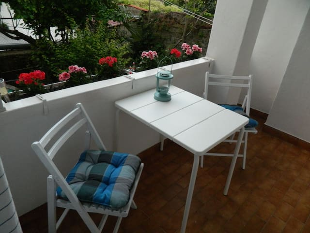 RELAXING TERRACE ABOVE THE GARDEN - Koper - Huoneisto