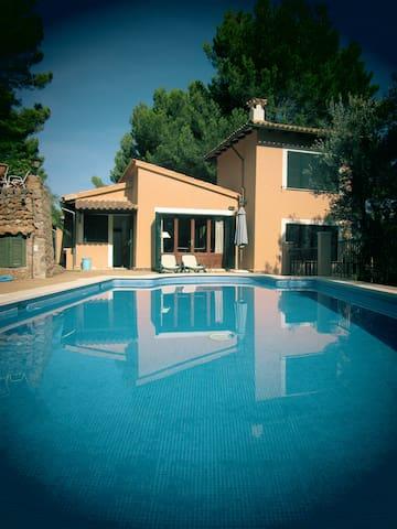 Vakantie huis op 50m van de zee - Cala Tuent - Haus