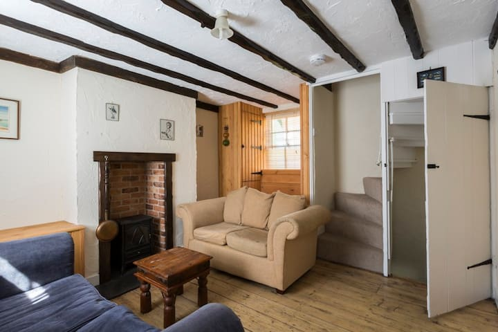 Quaint Fisherman's cottage by the beach - Broadstairs - Talo