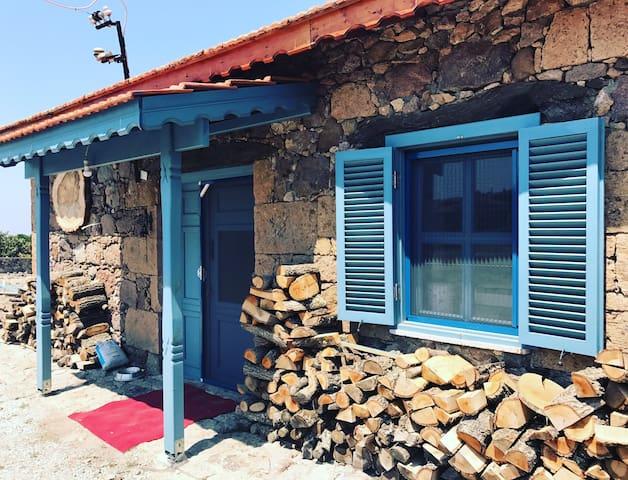Assos Değirmen Taş ev