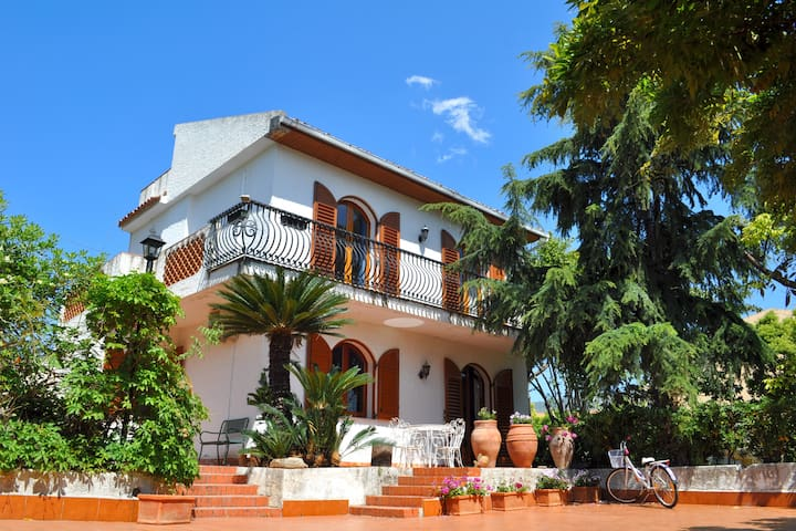 Villa Bea fantastica casa vicino al mare
