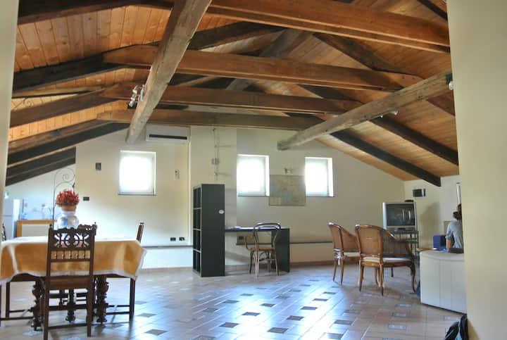 Spaziosa mansarda con terrazzo