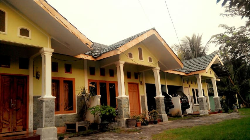 Teuku Harist Guest House® - Aceh, ID - House