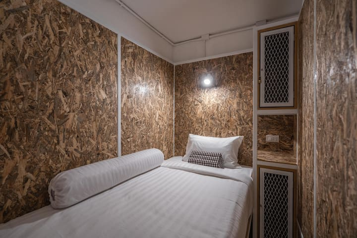 Mixed private cabin room with rooftop