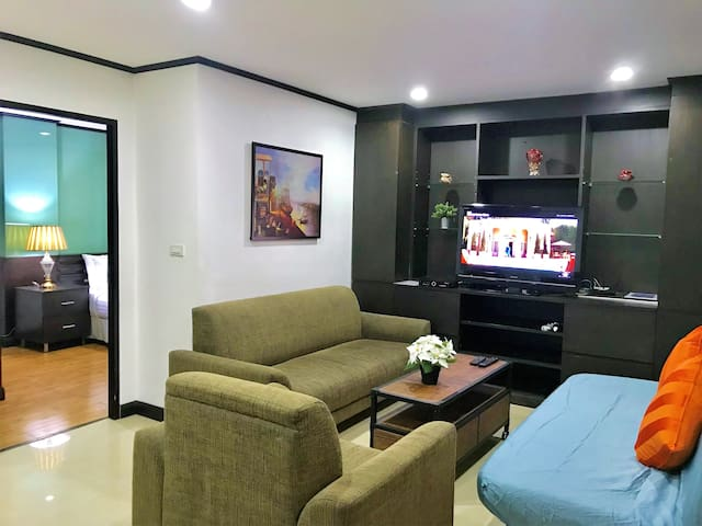2 Bedrooms Suites at NANA&ASOK BTS (6PAXS)