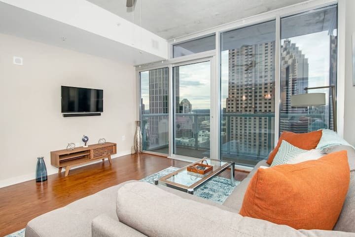 Head In the Clouds Luxury Midtown Atlanta 1BR Apt