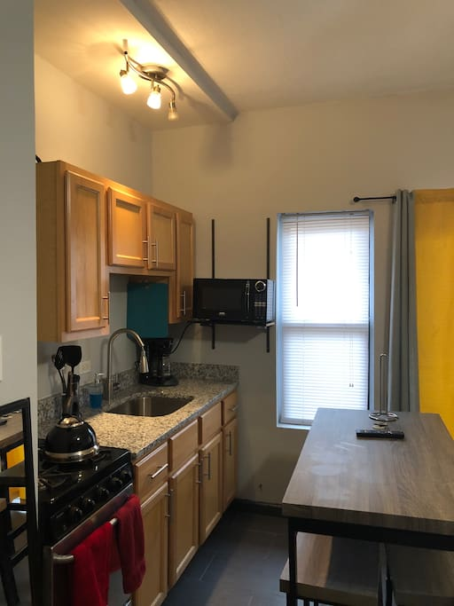Wrigleyville Studio Apartments