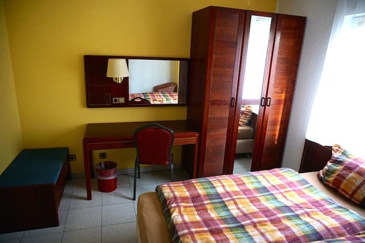 Hotel-Like Family Room (1)