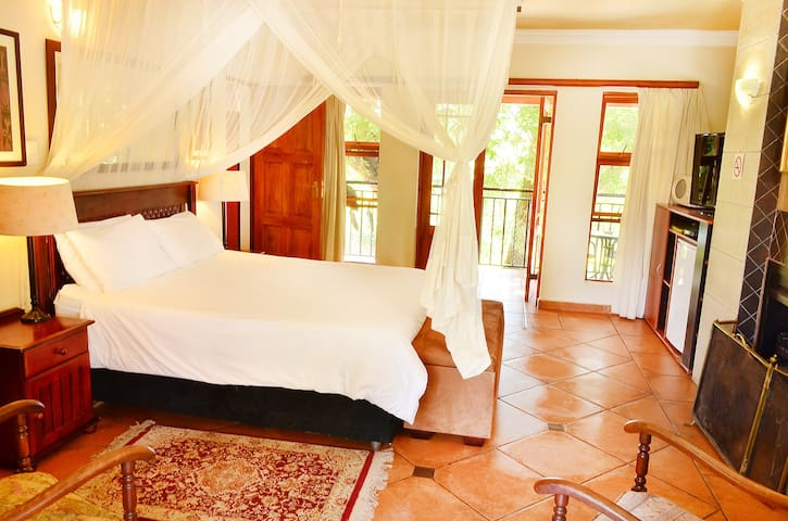 Meerhof Lodge Bed And Breakfast